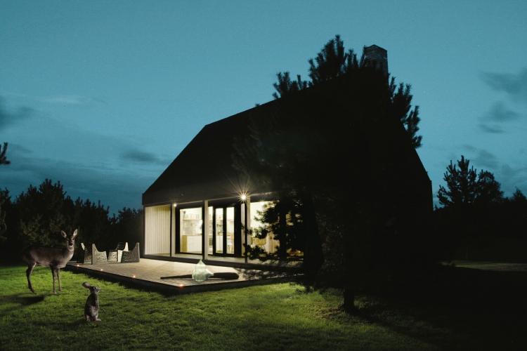 Sīpoli DESIGN - išskirtinio dizaino poilsio namelis prie jūros