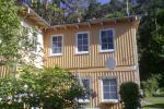 Divu un trīs istabu dzīvokļi Juodkrante. Ir Rokturi, āra mēbeles, piknika vietas pagalmā.