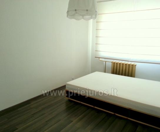 eine moderne 2 zimmer wohnung in der innenstadt zu vermieten balticseaside lv. Black Bedroom Furniture Sets. Home Design Ideas