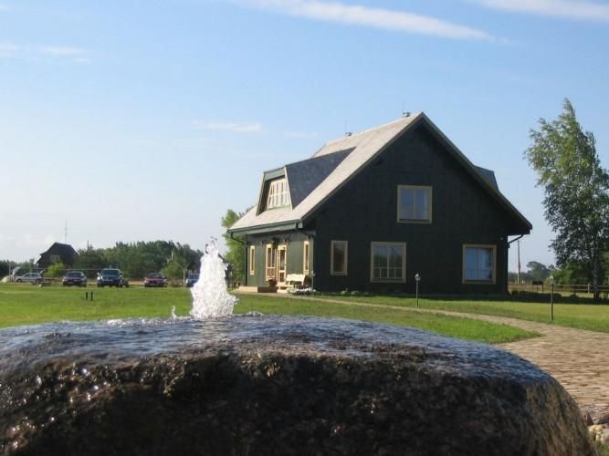 Pukarags – poilsio kompleksas prie Baltijos jūros Papės parko teritorijoje