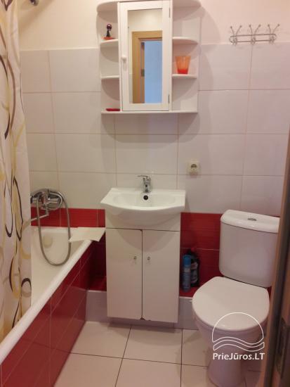 Erdvus ir jaukus dviejų kambarių butas Ventspilio centre - 8