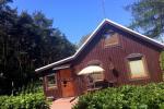 Gemütliches Holzhaus zu vermieten in Smiltyne, in der Mitte des Kiefernwaldes