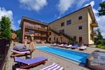 IEVŲ VILA in Palanga – comfortable apartments and rooms, wide yard, heated swimming pool
