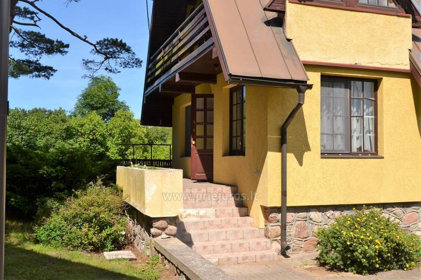 Haus mit einer Sauna und einem Trampolin in Ventspils - 1