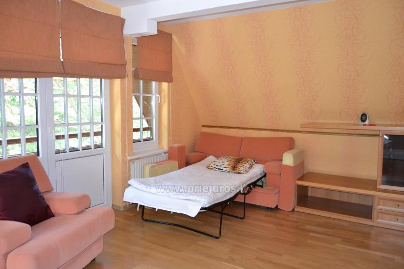 Haus mit einer Sauna und einem Trampolin in Ventspils - 9
