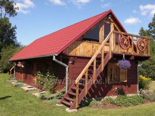 Pirtis ir banketų salė stovyklavietėje Ērgļi