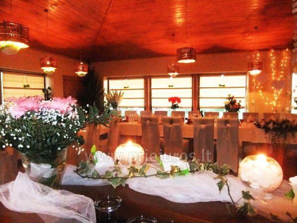 Restoranas, banketų ir konferencijų salė svečių namuose Jūrkalnėje Liedags