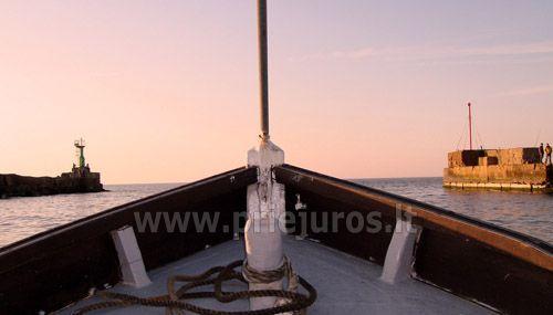 Žvejyba jūroje ir ekskurijos jūroje laivu Pavilostoje (Latvija). Žvejo sodyba Zvejniekseta