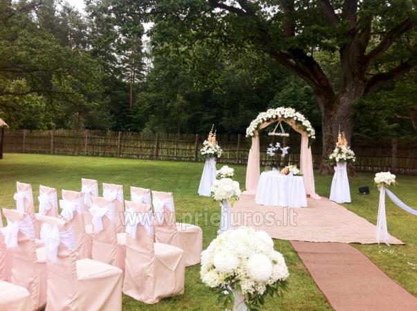 Banketų salė ir vestuvių organizavimas svečių namuose Vecmuiža