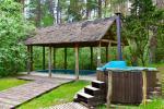 Māja pasākumiem ar banketu zāli, guļamistabām, saunu, burbuļvannu, āra peldbaseinu - 3